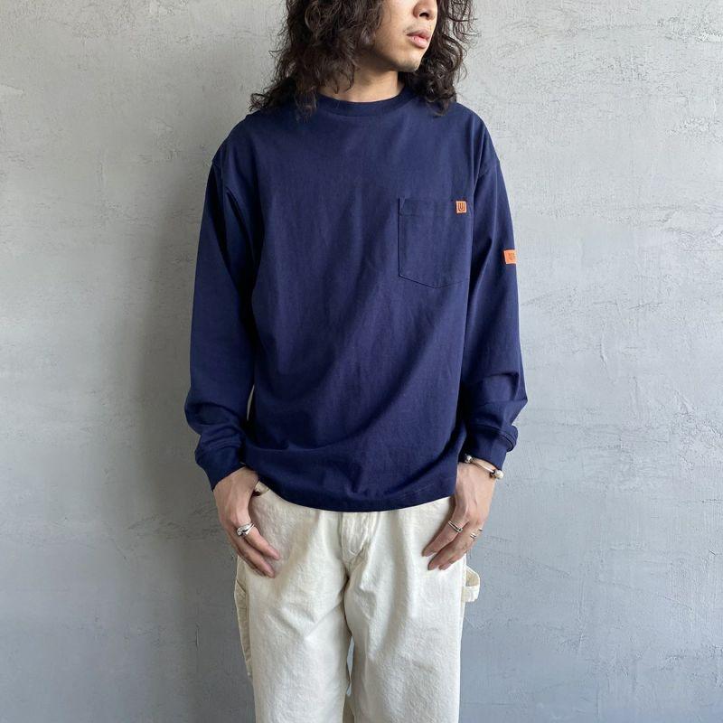 UNIVERSAL OVERALL [ユニバーサルオーバーオール] 別注 ポケット付きロングスリーブTシャツ [U213215IN-JF] ORANGE&&モデル身長:173cm 着用サイズ:M&&
