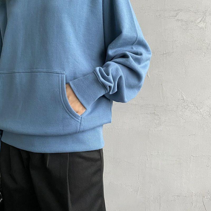 UNIVERSAL OVERALL [ユニバーサルオーバーオール] 別注 ラグランクルーネックスウェット [U2132201IN-JF] BLUE&&モデル身長:160cm 着用サイズ:F&&