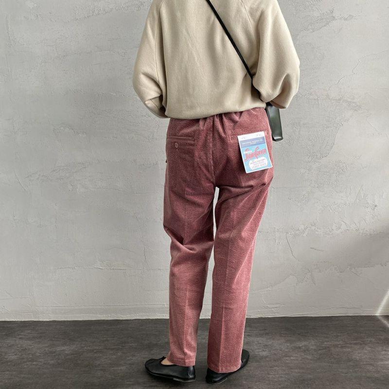 UNIVERSAL OVERALL [ユニバーサルオーバーオール] 別注 コーデュロイタックトラウザー [U2132630IN-JF] PINK&&モデル身長:163cm 着用サイズ:S&&