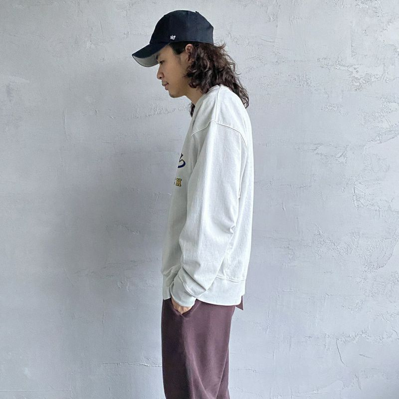 SCREEN STARS [スクリーンスターズ] 別注 カレッジプリント ピグメント ロングスリーブTシャツ [2123-423INPT-JF] L.GREY&&モデル身長:173cm 着用サイズ:L&&