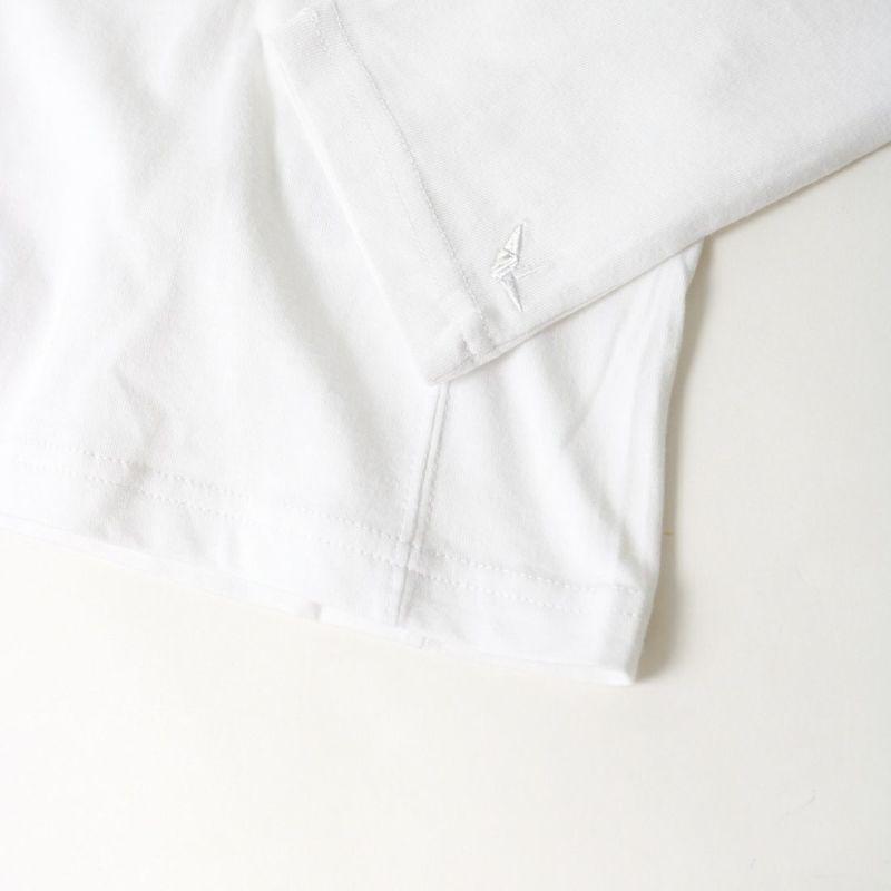 1PIU1UGUALE3 [ウノ ピゥ ウノ ウグァーレ トレ] スパンコールビッグロゴ長袖Tシャツ [UST-21039] WHITE