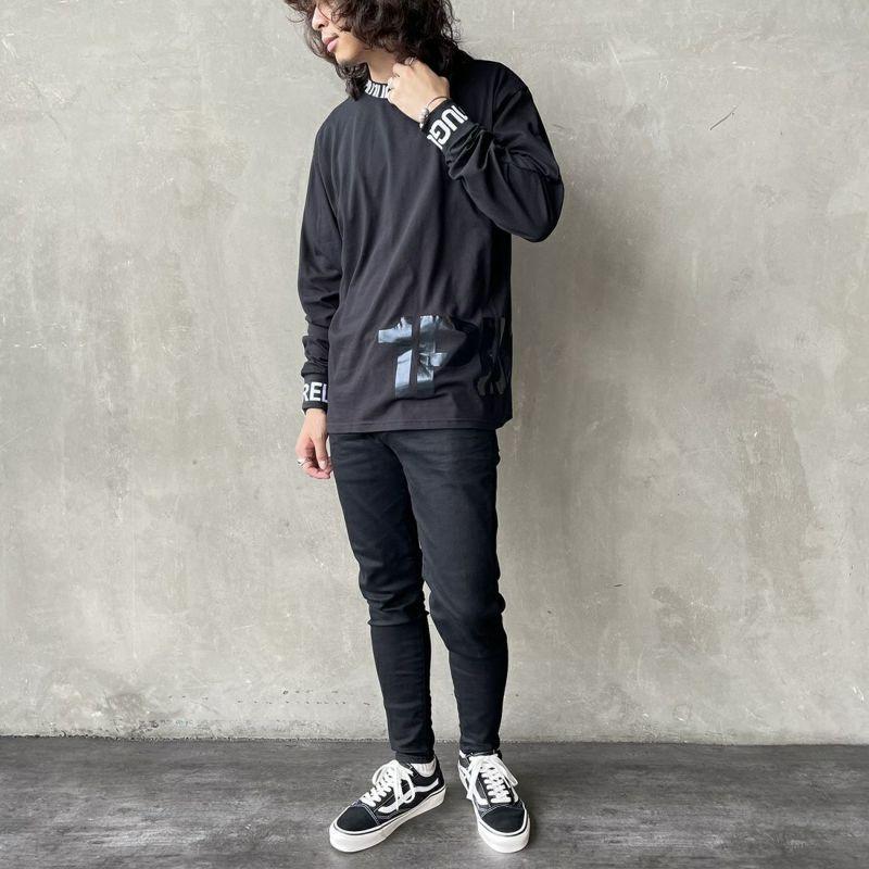1PIU1UGUALE3 [ウノ ピゥ ウノ ウグァーレ トレ] ワイドネックロゴ長袖Tシャツ [UST-21043] BLACK&&モデル身長:173cm 着用サイズ:M&&
