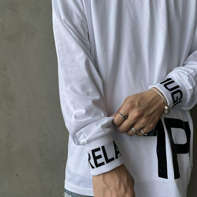 1PIU1UGUALE3 [ウノ ピゥ ウノ ウグァーレ トレ] ワイドネックロゴ長袖Tシャツ [UST-21043] WHITE